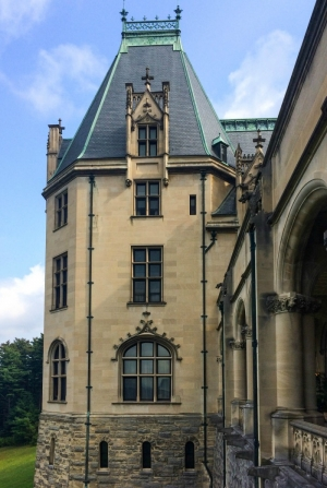 If you find yourself in Asheville check out the Biltmore Estate - it has history, art, beautiful gardens and much more. Check out my adventure here. www.TheVogueVoyager.com